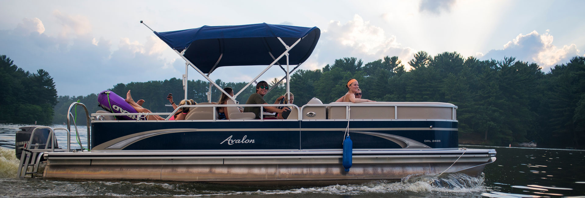 Avalon Pontoon Rentals on Lake Delton