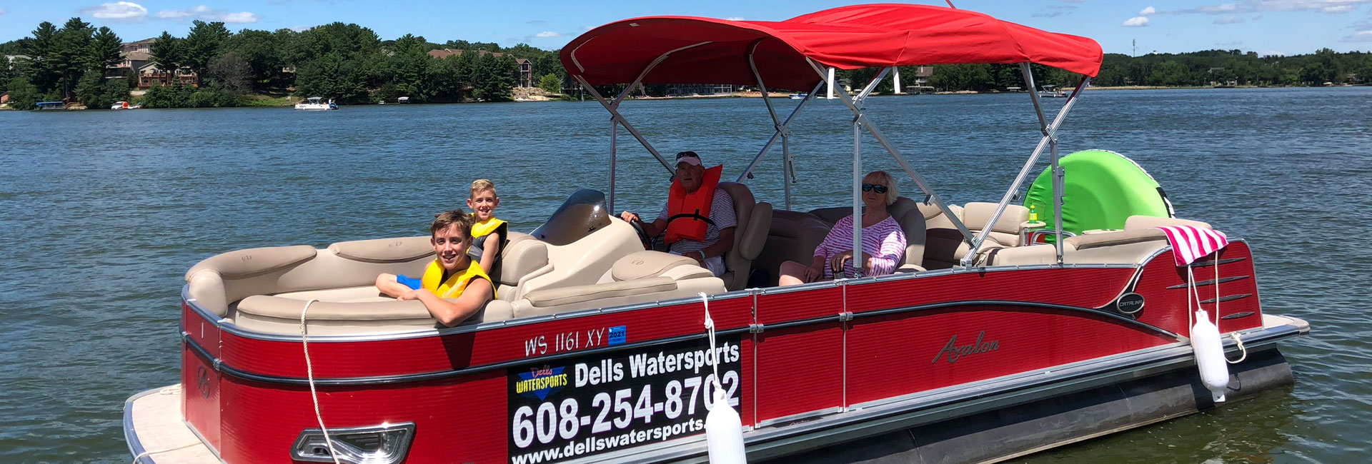Tubing Pontoon Rentals on Lake Delton in Wisconsin Dells
